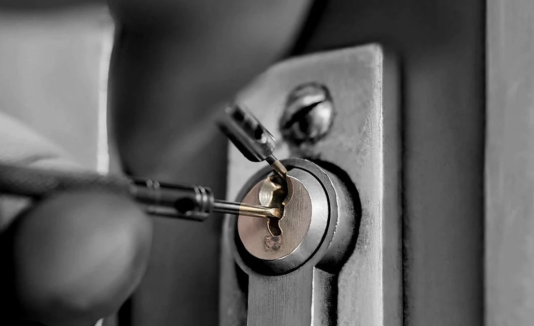 Tips To Find The Right Locksmith
